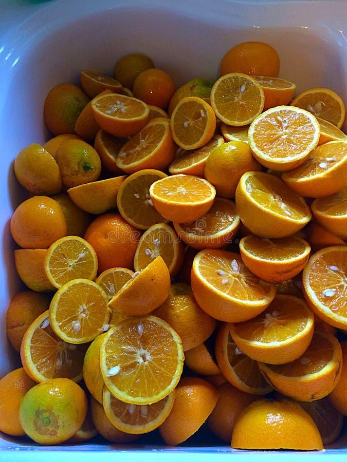 Frische Schnitt Orangen lizenzfreie stockbilder