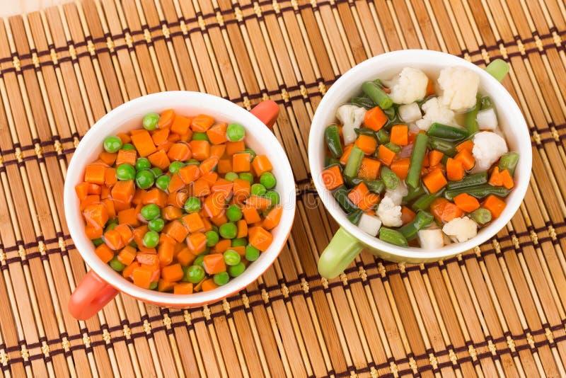 Frische selbst gemachte Gemüsesuppen stockfotografie