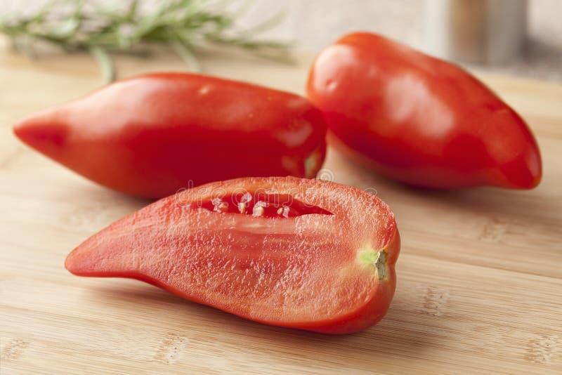 Frische Tomaten Cornue DES Anden lizenzfreie stockfotos