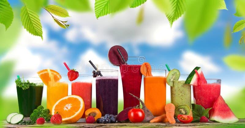 Frischer Fruchtsaft, Gesunde Getränke Stockbild - Bild von ...