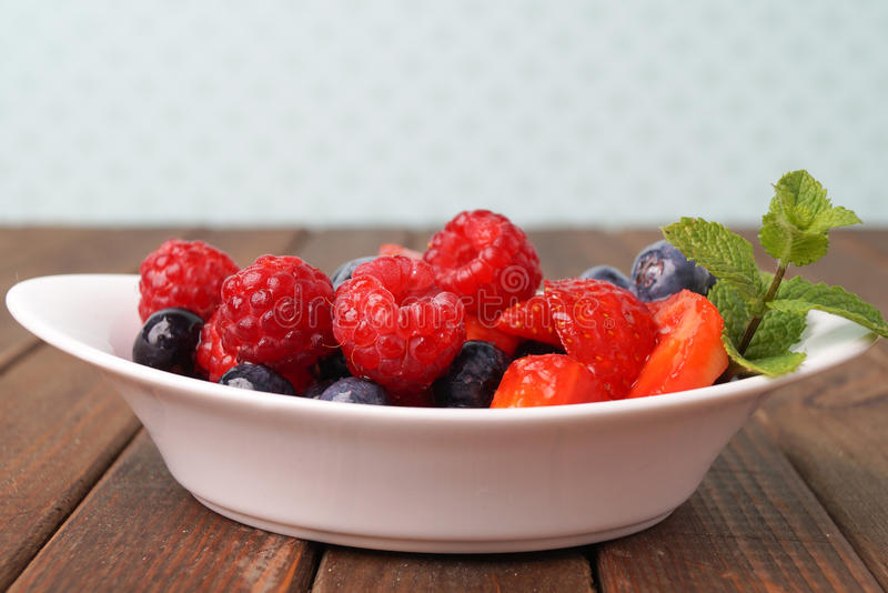 Frischer Fruchtsalat stockbilder