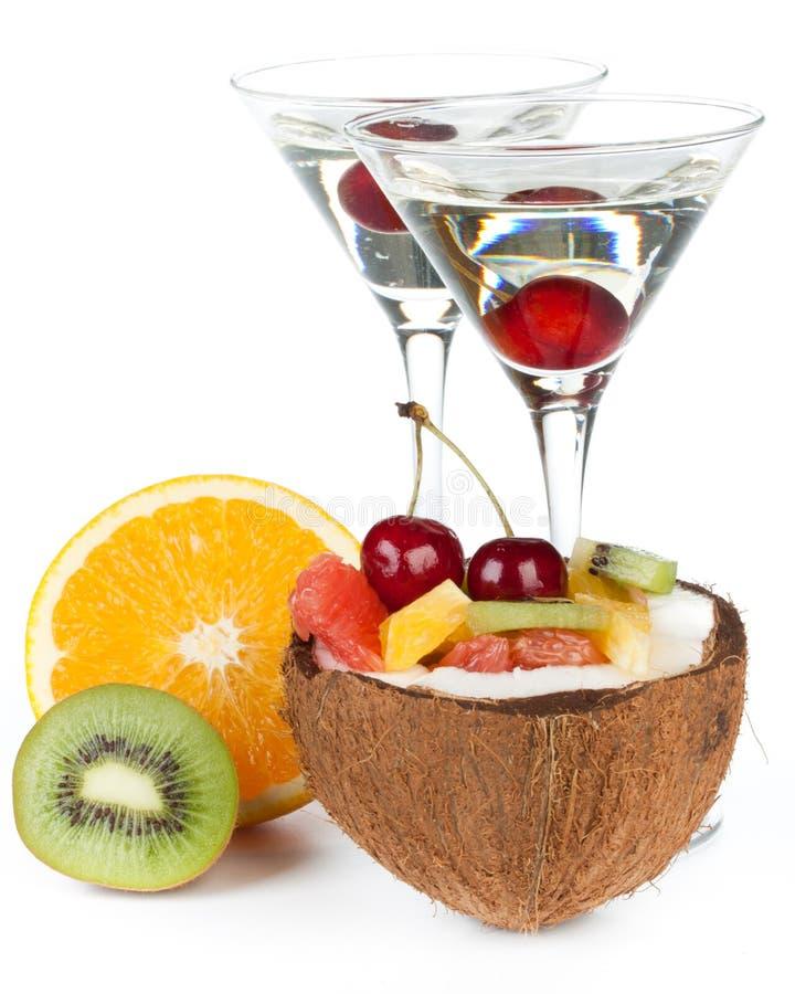 Frischer Fruchtsalat und Cocktail. stockbilder