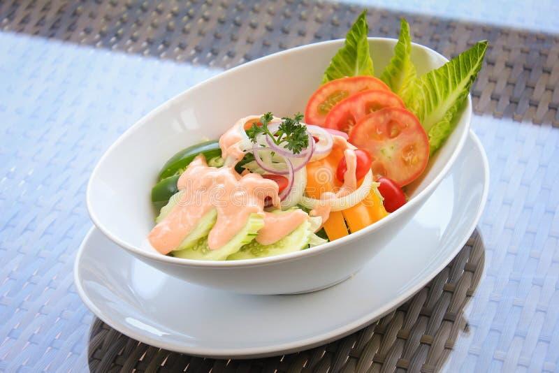 Frischer Garten-Salat stockfoto