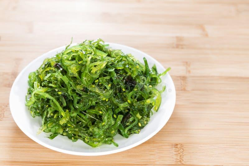 Frischer gemachter Kelp-Salat stockfotografie
