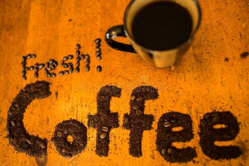 Frischer gemahlener Kaffee stockbilder