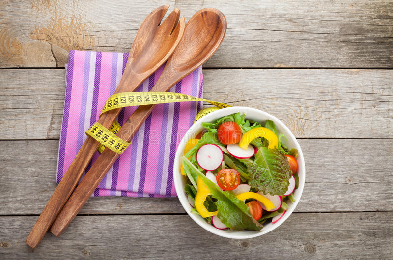 Frischer gesunder Salat stockfotografie
