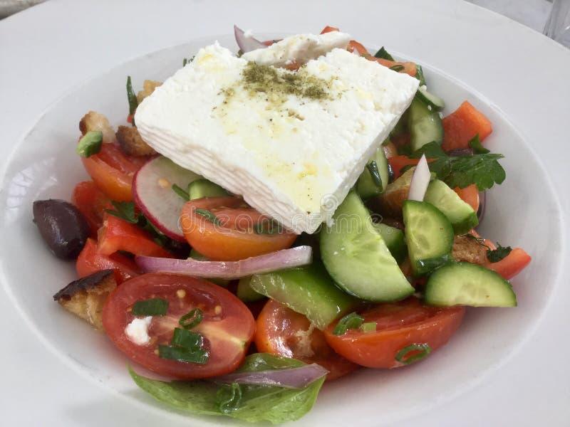 Frischer griechischer Salat Vegetarische Mahlzeit Gesunde Nahrung lizenzfreie stockbilder