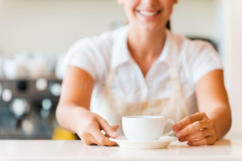Frischer Kaffee für Sie stockfotos