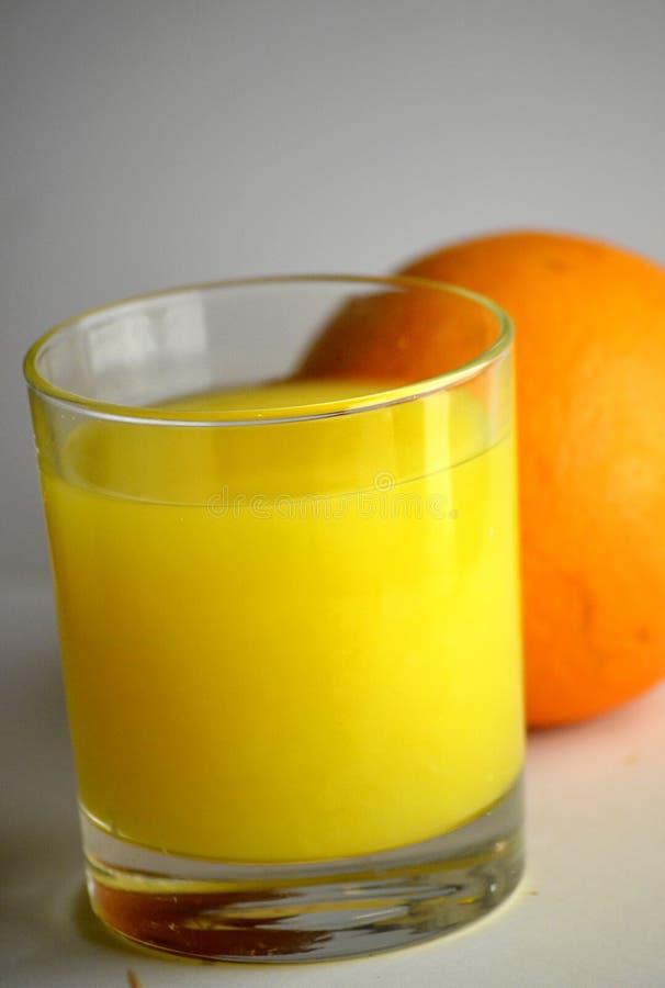 Frischer Orangensaft stockfotos