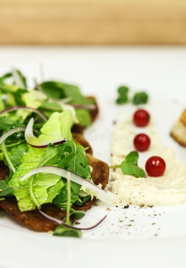 Frischer Salat der Rinderzunge stockbilder