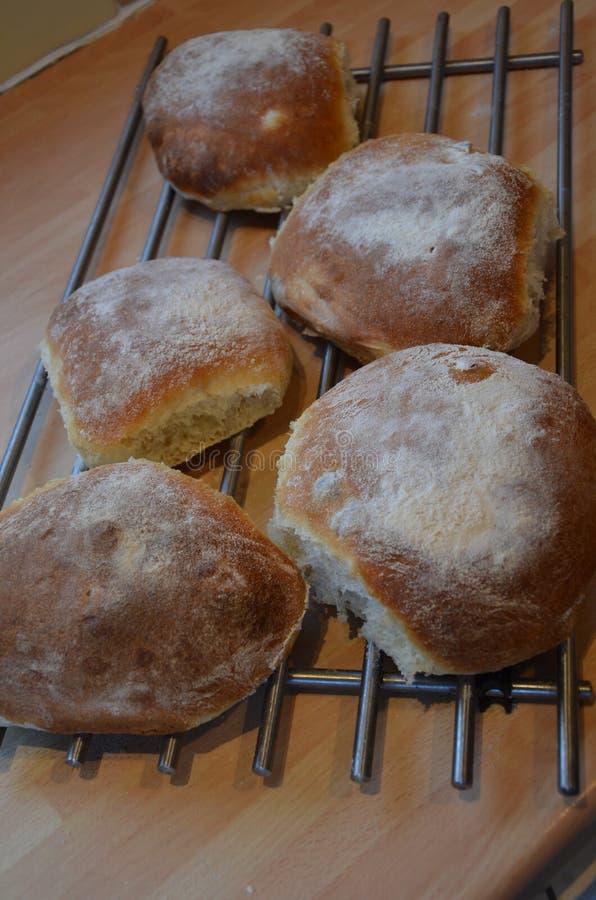 Frisches Brot heraus der Ofen stockbild