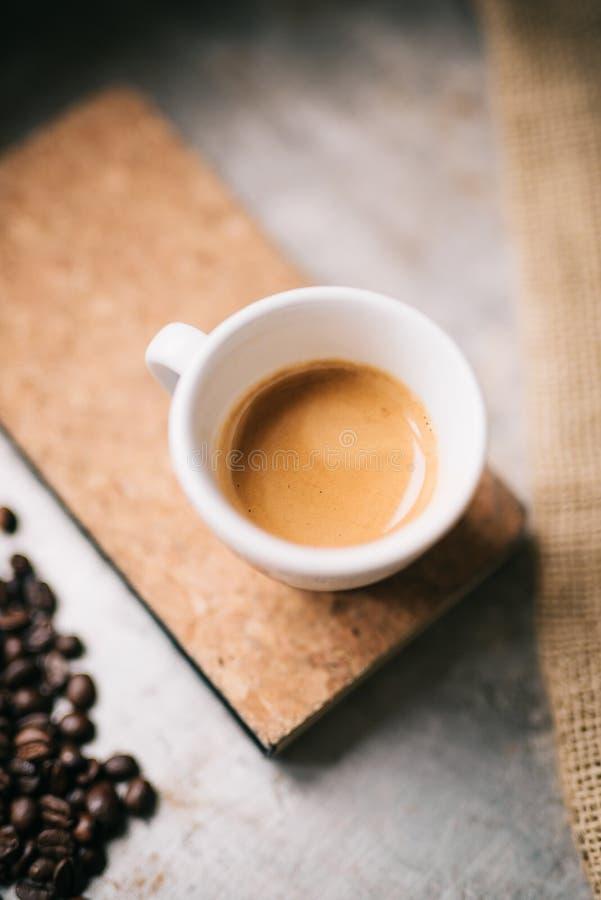 Download Frisches Espresso stockbild. Bild von leben, ausbildung - 106815457