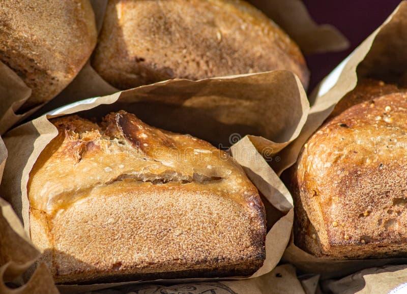 Frisches gebackenes Weizen-Brot stockfoto