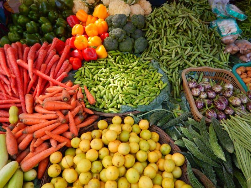 Frisches Gemüse-v des Bauernhofes lizenzfreies stockfoto