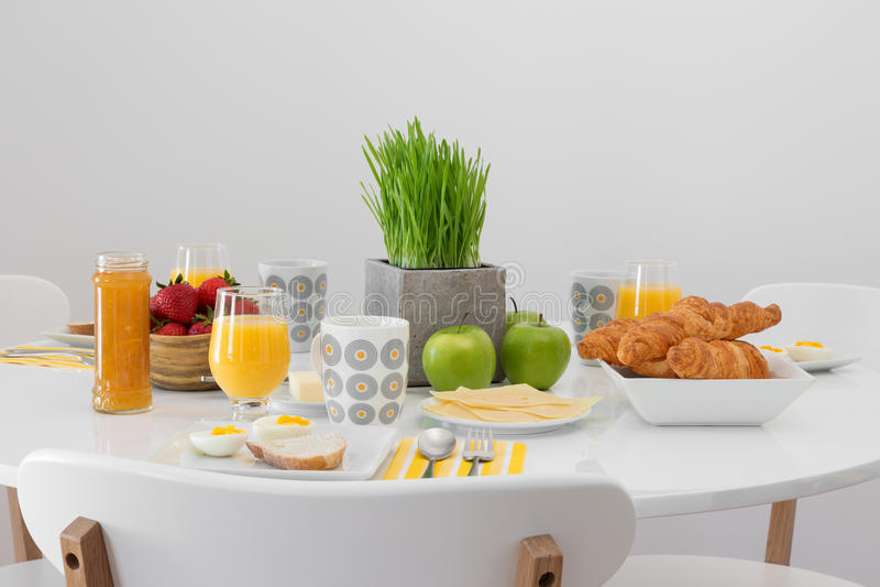Frisches geschmackvolles Frühstück lizenzfreie stockfotos