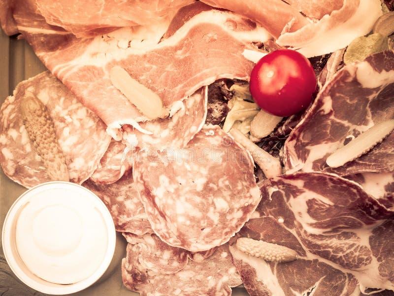 Frisches geschnittenes rohes Rindfleischfleisch lizenzfreie stockbilder