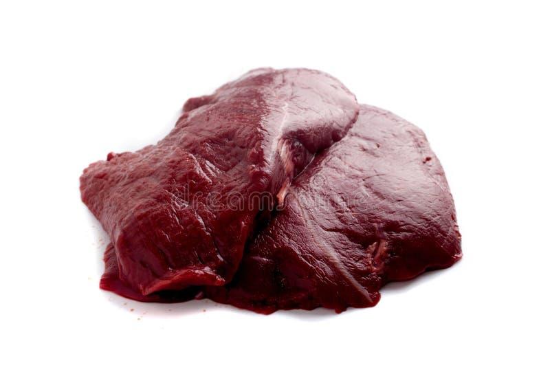 Frisches Rotwild-Fleisch oder Wildbret lokalisiert auf weißem Hintergrund stockfotos
