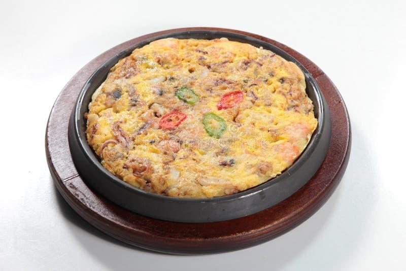 Frisches und geschmackvolles durcheinandergemischtes Ei oder Omelett lizenzfreies stockbild