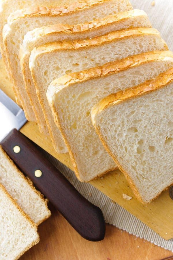 Frisches weißes Brot stockfoto