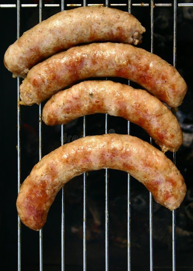 Frischfleisch auf einem BBQ-Standplatz lizenzfreie stockbilder
