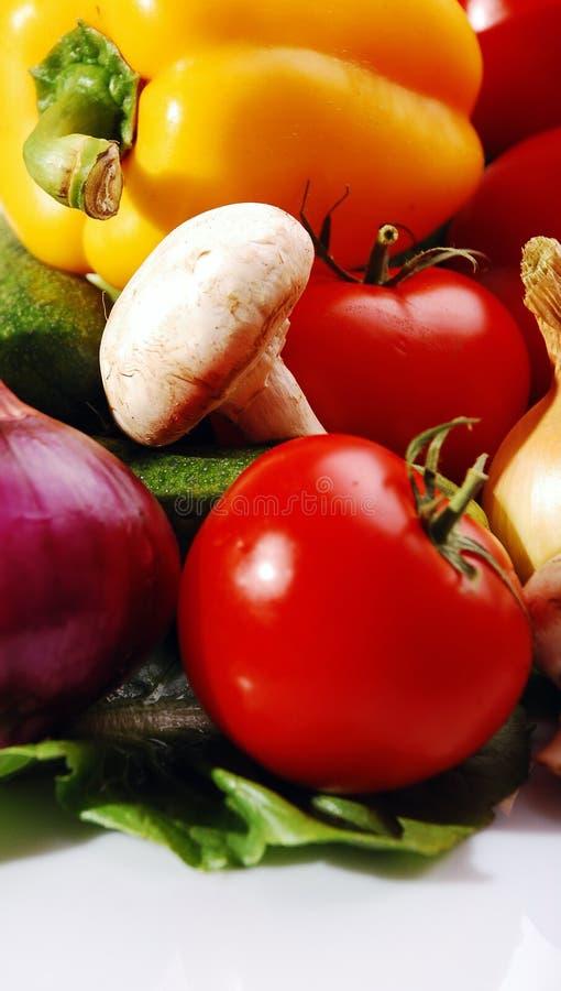Download Frischgemüse stockfoto. Bild von gemüse, frisch, weiß - 26353628