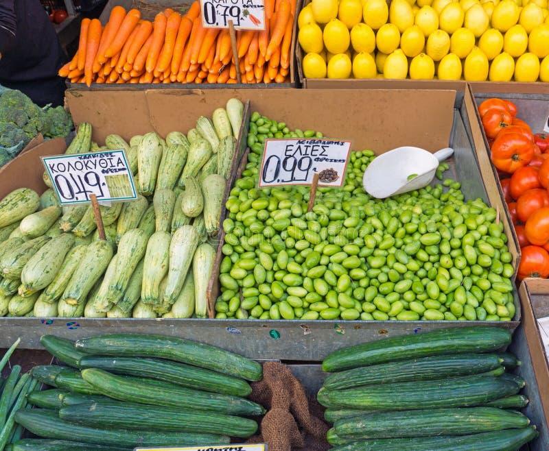 Frischgemüse auf einem Markt lizenzfreies stockbild