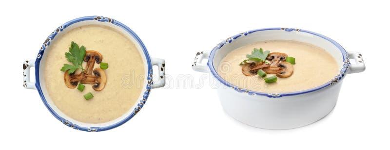 Frischgemüse Detoxsuppe mit Croutons im Teller auf Weiß lizenzfreie stockfotografie