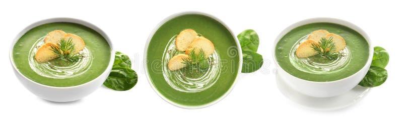 Frischgemüse Detoxsuppe mit Croutons im Teller auf Weiß stockfoto