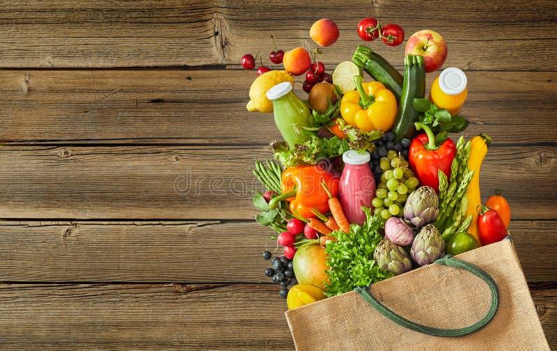 Frischgemüse und Frucht des bunten Bauernhofes lizenzfreies stockfoto