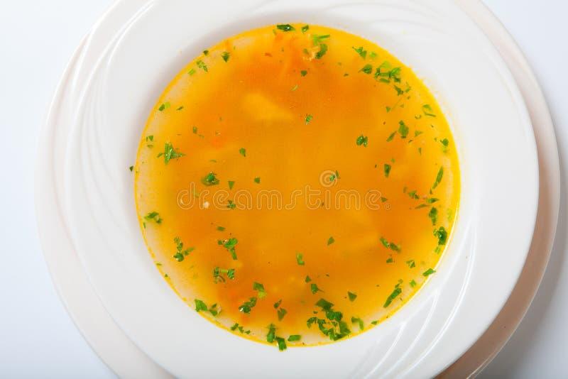 Frischgemüsesuppe gemacht von der grünen Bohne, Karotte, Kartoffel, roter grüner Pfeffer, Tomate in der Schüssel stockfotos