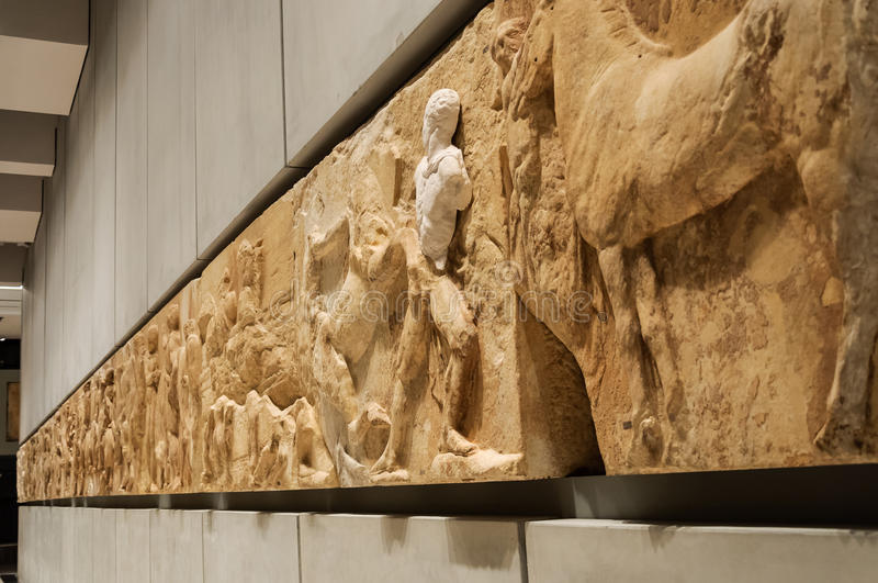 Friso del oeste del museo de la acrópolis fotos de archivo