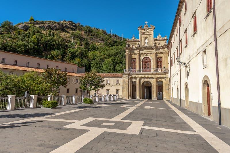 Fristad S Francesco di Paola Calabria, sydliga Italien arkivfoto