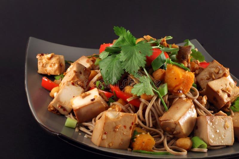 Fritada do stir do vegetariano do gengibre do Tofu foto de stock