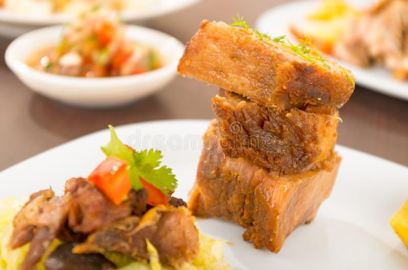 Fritada a fait frire la nourriture traditionnelle d'ecuadorian de porc photo libre de droits