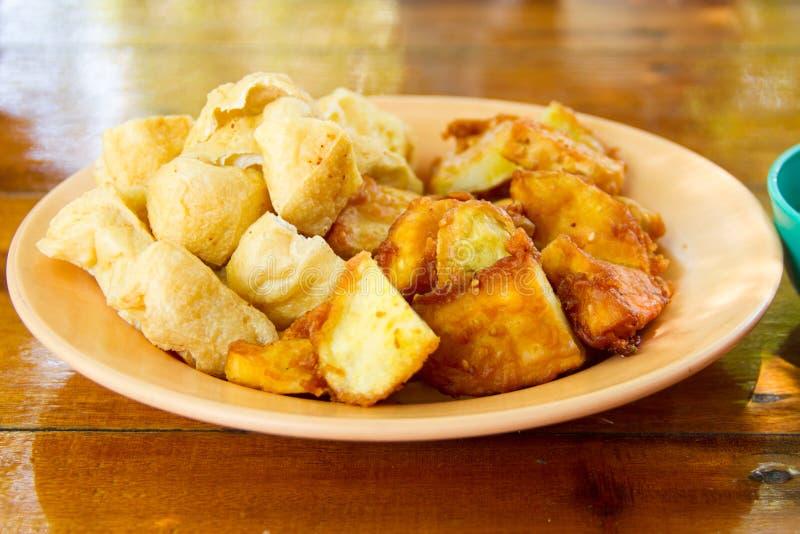 Fritadas de la patata dulce y del queso de soja imagen de archivo libre de regalías