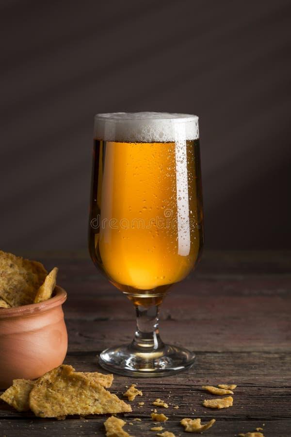 Frites et bière photos stock