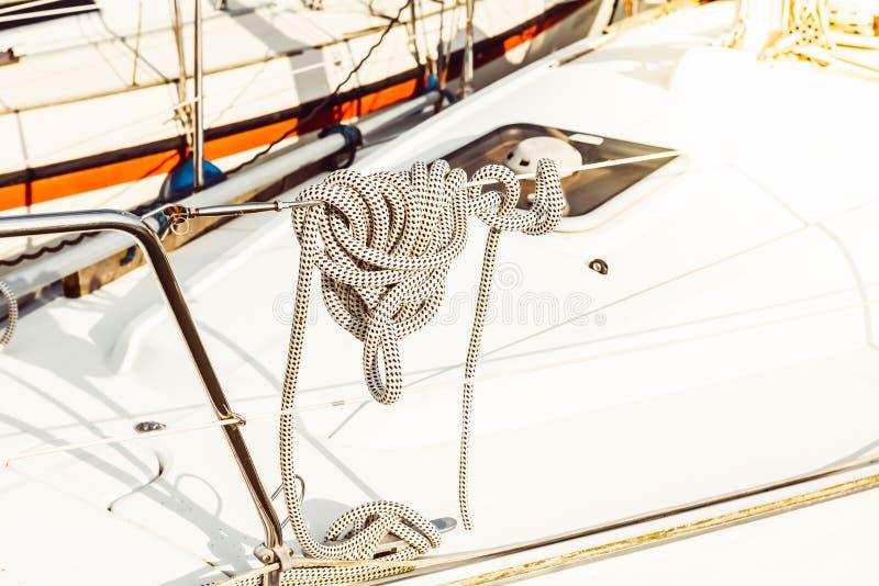 Fritids- yachtdetalj arkivbild