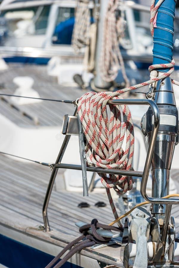 Fritids- yachtdetalj fotografering för bildbyråer