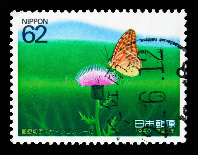 Fritillary (Schmetterling) auf Distel, das 1. Stempel-Design Competit stockfoto