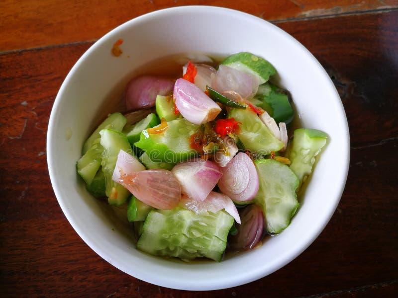 Frittierte Fischpastete mit thailändischem Gurken-Geschmack stockbild