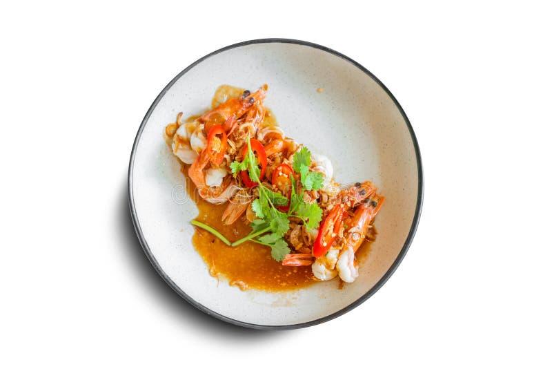 Frittierte Garnele mit Tamarindensoßenspitze mit frittierter Schalotte und kühl Verziert mit süßem rotem Paprikaisolat der Scheib stockbilder