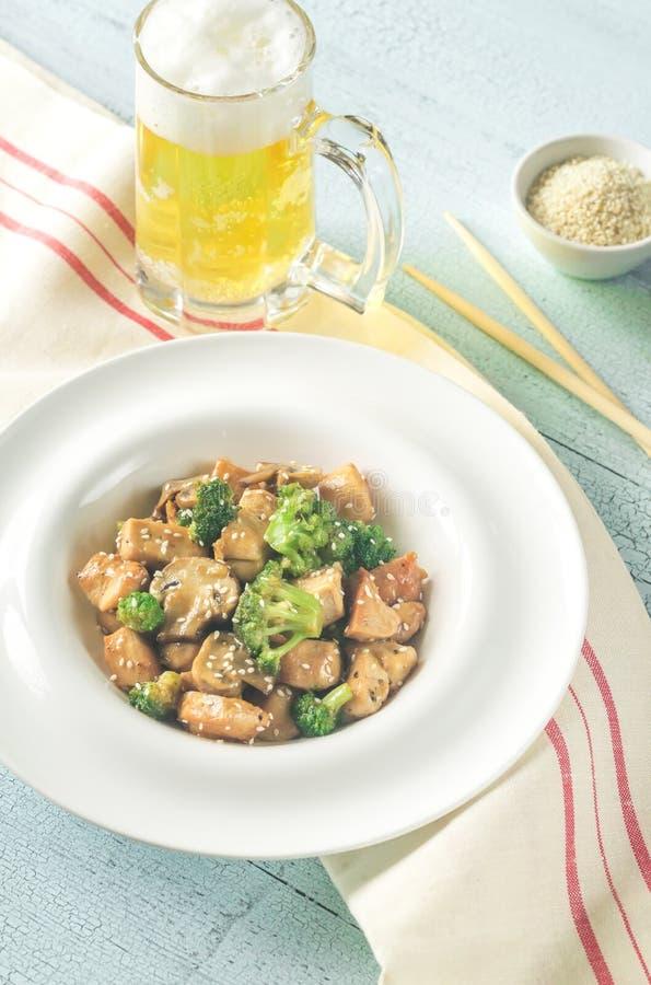 Friture de stir de poulet et de broccoli photos libres de droits