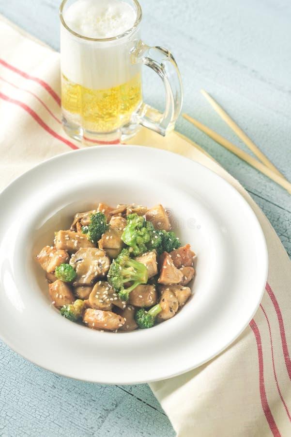 Friture de stir de poulet et de broccoli photo stock