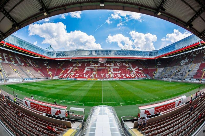 Fritz-Вальтер-Stadion дом до 2 Клуб 1 Bundesliga FC Кайзерслаутерн и расположено в городе Кайзерслаутерна, Рейна стоковое фото