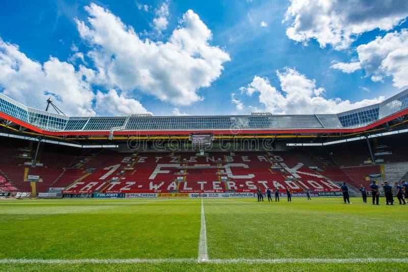 Fritz-Walter-Stadion huis aan 2 Bundesligaclub 1 FC Kaiserslautern wordt en gevestigd in de stad van Kaiserslautern, Rijn royalty-vrije stock foto