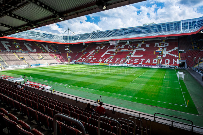 Fritz-Walter-Stadion huis aan 2 Bundesligaclub 1 FC Kaiserslautern wordt en gevestigd in de stad van Kaiserslautern, Rijn royalty-vrije stock fotografie