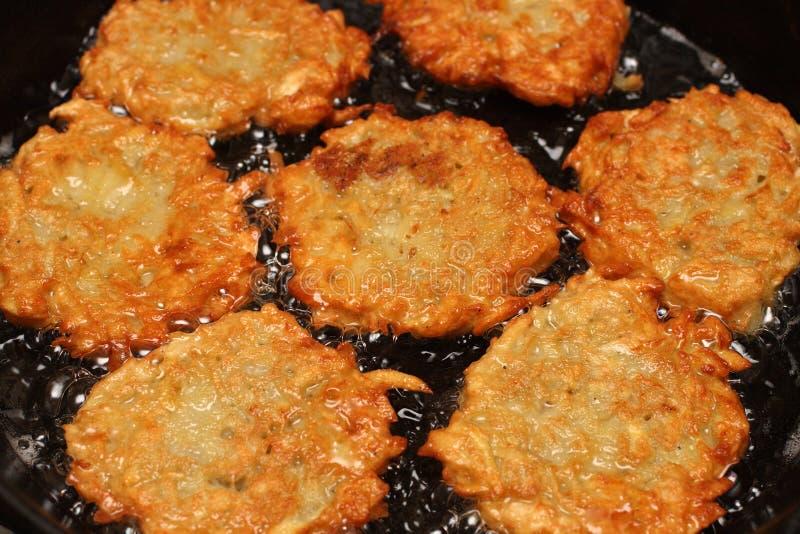 frizzle картошка блинчиков стоковые фото