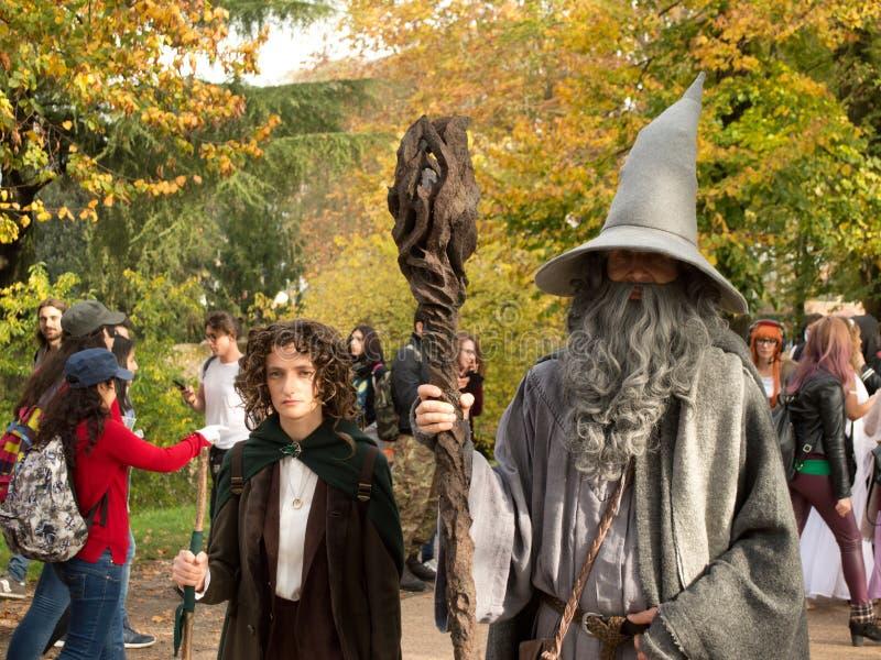 Frodo och Gandalf på Lucca komiker och lekar 2017 fotografering för bildbyråer