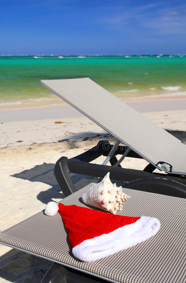 Frohe Feiertage auf Strand stockfoto
