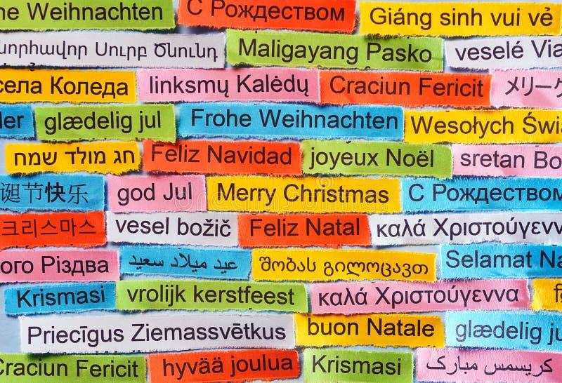 Weihnachtsgrüße In Verschiedenen Sprachen.Frohe Weihnachten Auf Italienisch Archivbilder Abgabe Des Download